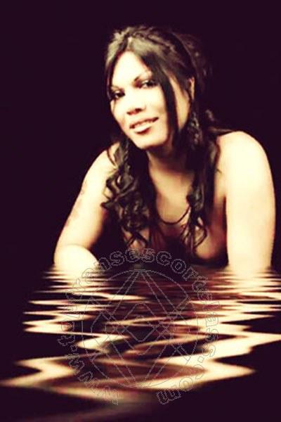 Carla Ruiz  ONEGLIA 3273098762