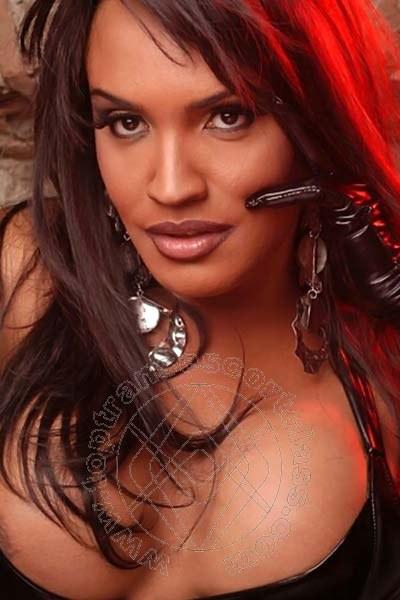 Claudia  SAVONA 3898889400
